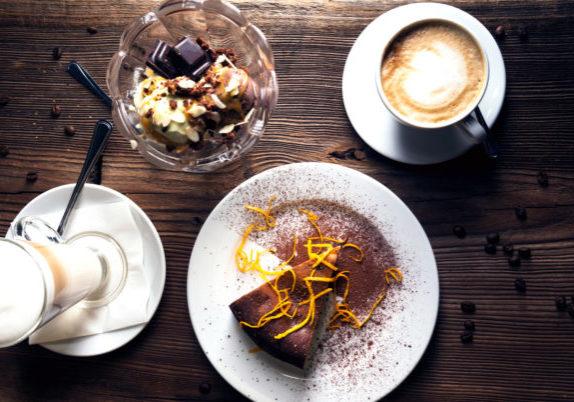 kaffe-och-kaka-hos-cilias-mat-rum